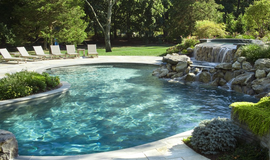 Tips and design ideas for installing an inground swimming for Inground pool designs