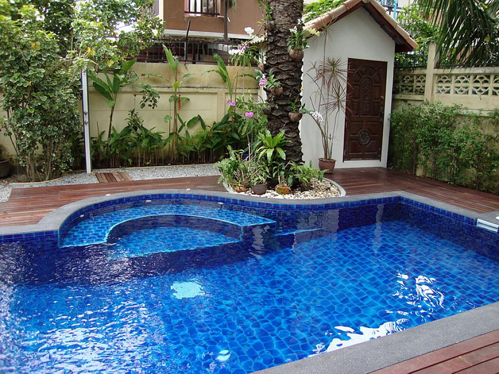 pool landscaping design ideas-6