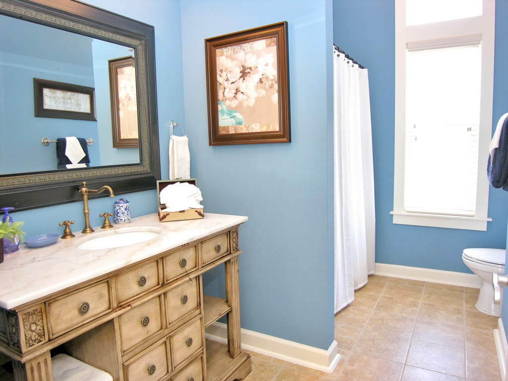 Bathroom paint Photo - 1