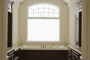 Bathroom privacy window Photo - 1