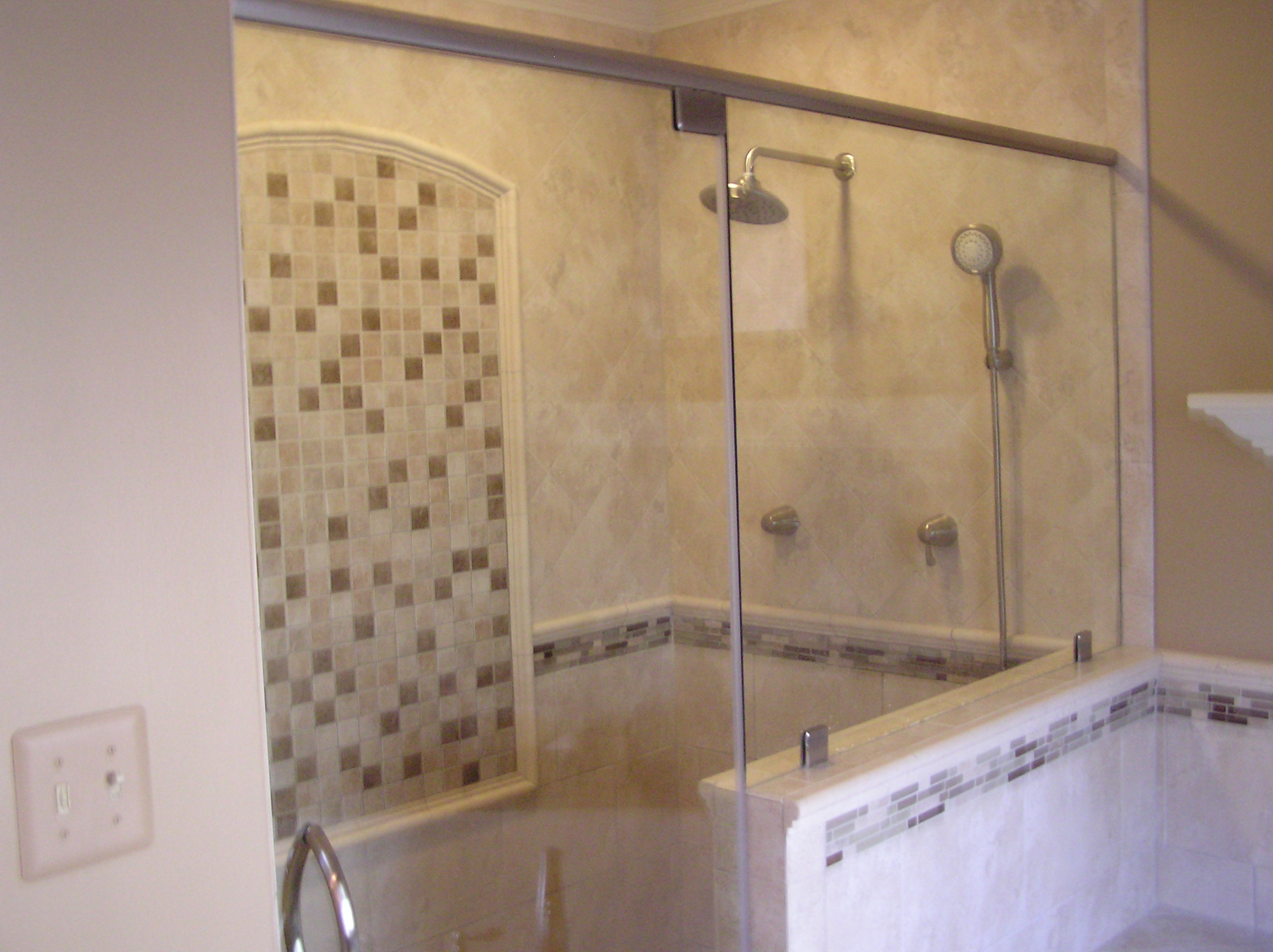 Bathroom remodel ideas walk in shower large and for Glass tile bathroom designs