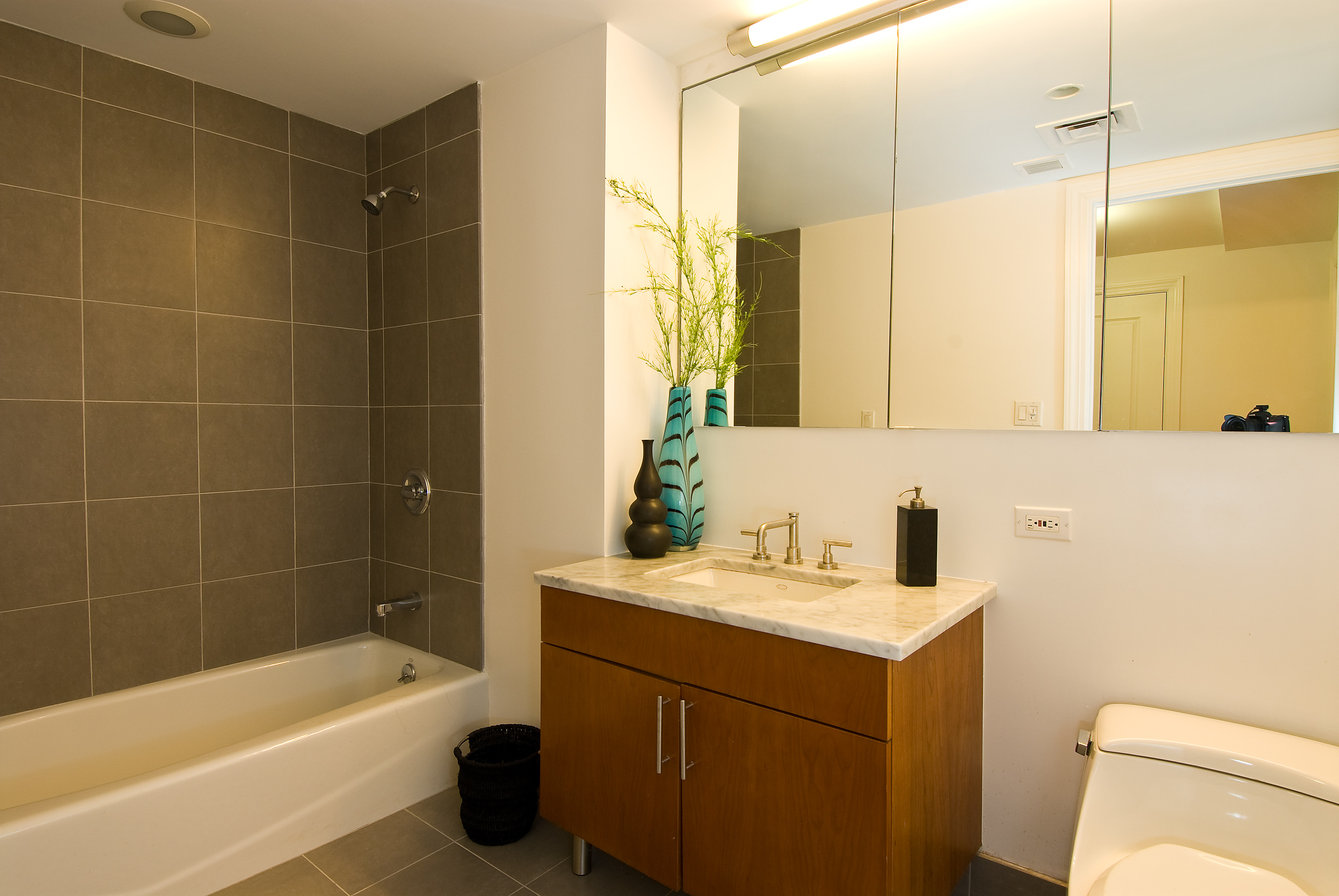 Delighful Cost Bathroom Remodel Average Costbathroom Renovation