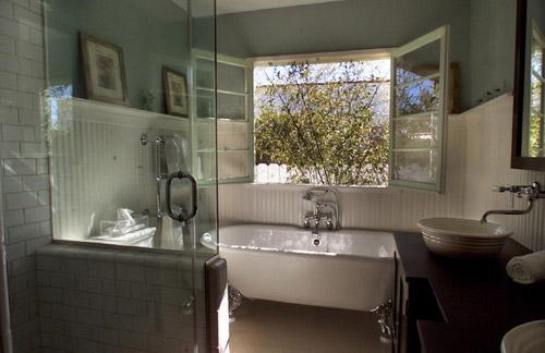 Hampton Traditional Bathroom Country Style Bathroom