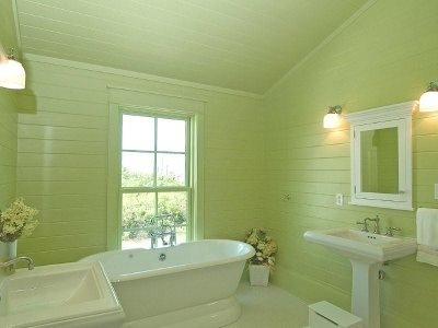 Small bathroom color schemes Photo - 1