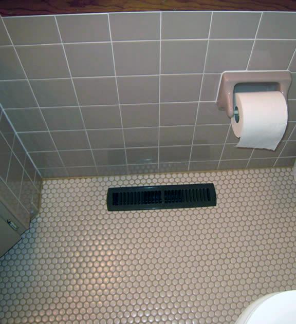 small bathroom floor ideas large and beautiful photos. Black Bedroom Furniture Sets. Home Design Ideas
