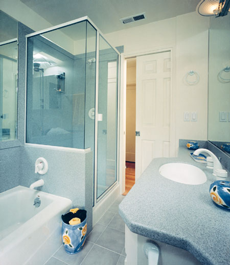 Small bathroom renovation Photo - 1