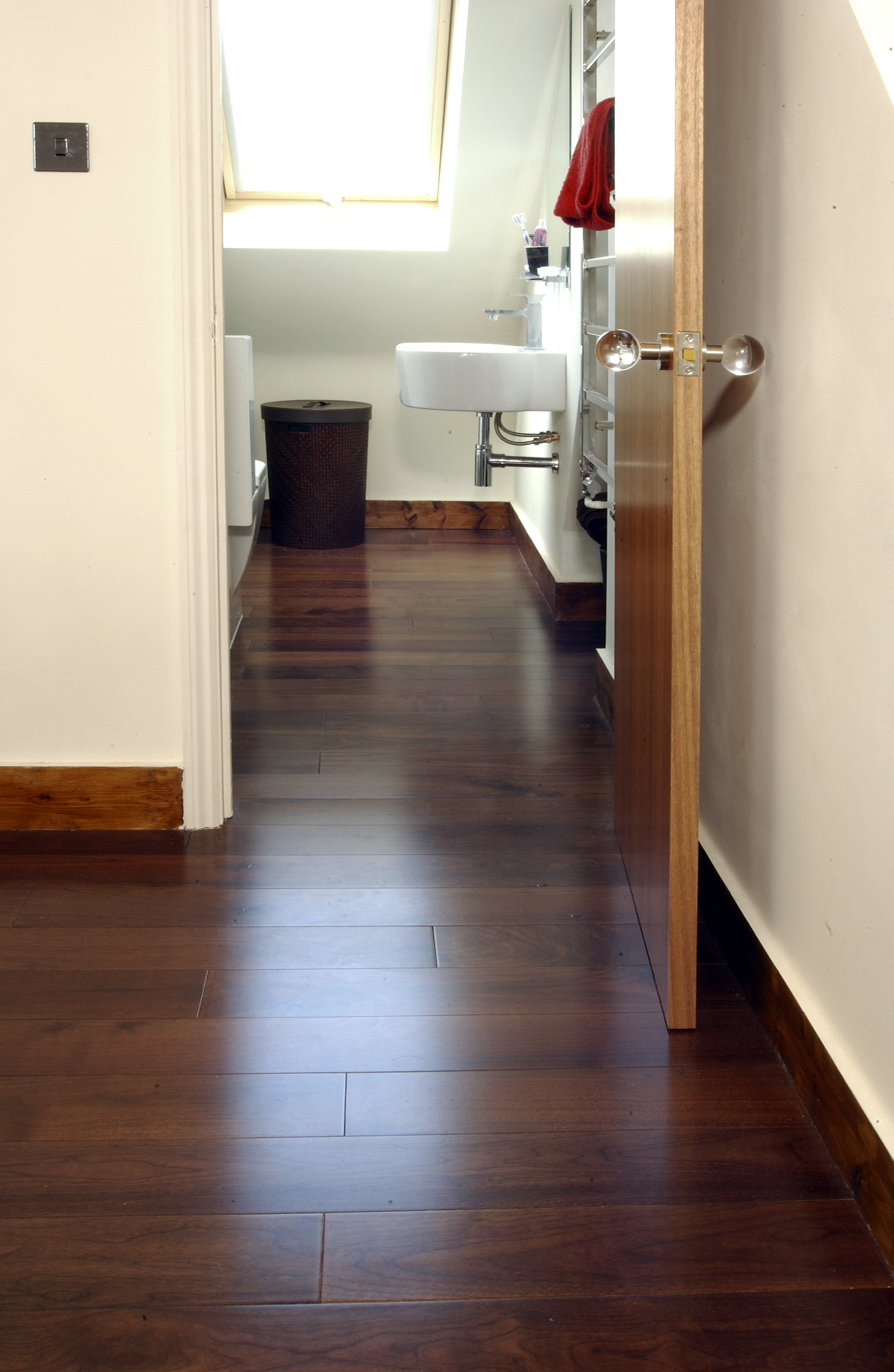 Wood floor bathroom - large and beautiful photos. Photo to select ...