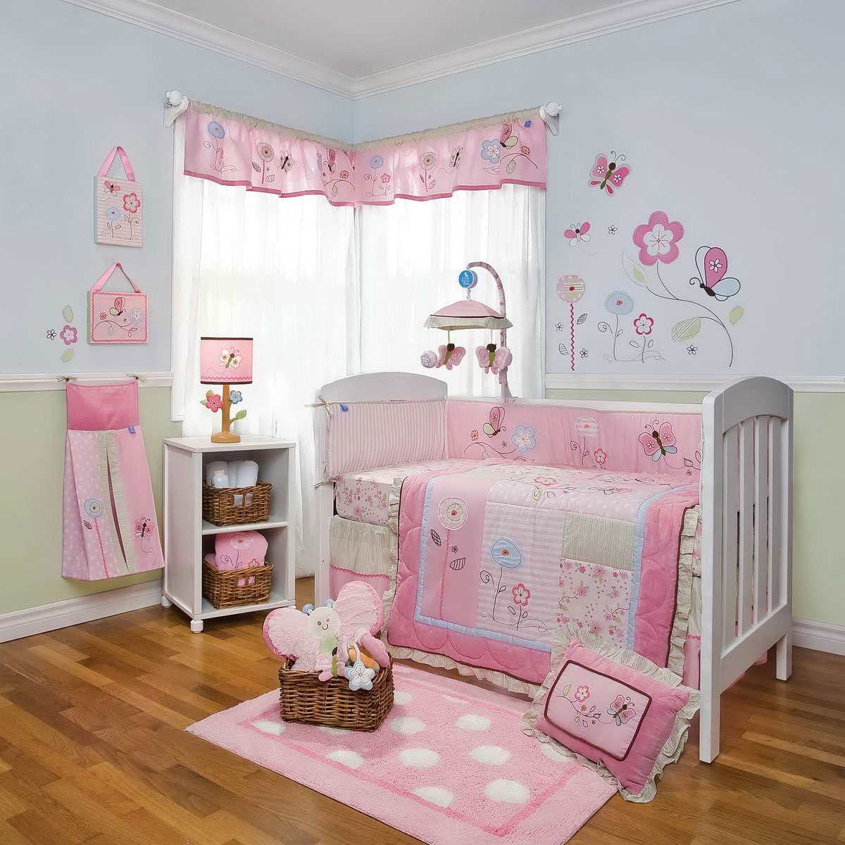 Baby girl bedroom decor. Baby girl themes for bedroom   large and beautiful photos  Photo
