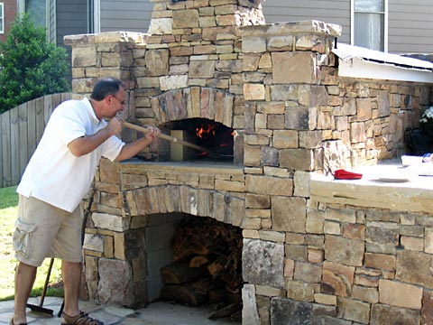 Backyard brick pizza oven