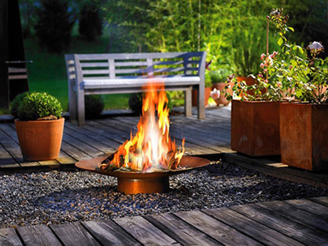 Backyard fireplace designs