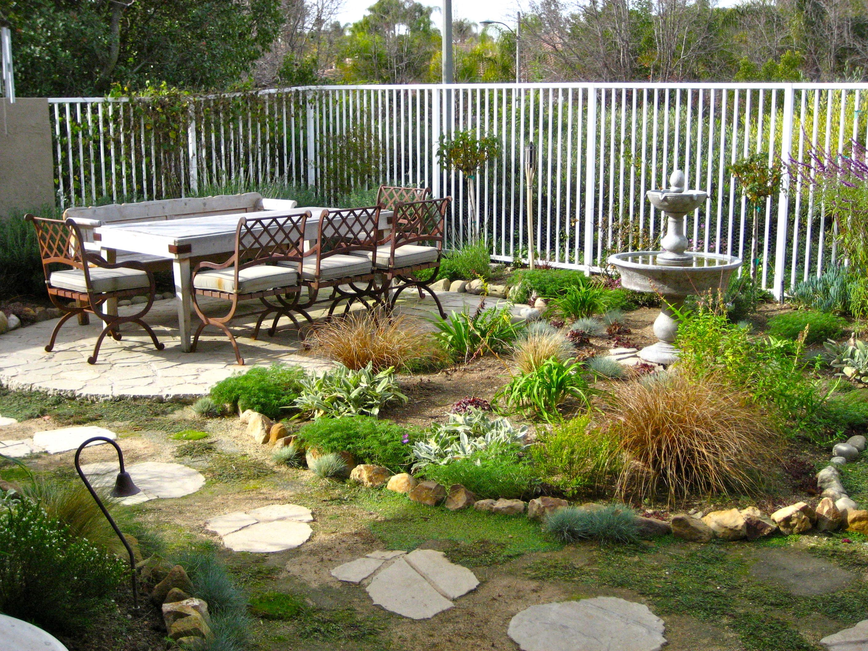 backyard landscaping design ideas on a budget backyard furniture ideas - Small Backyard Design Ideas On A Budget