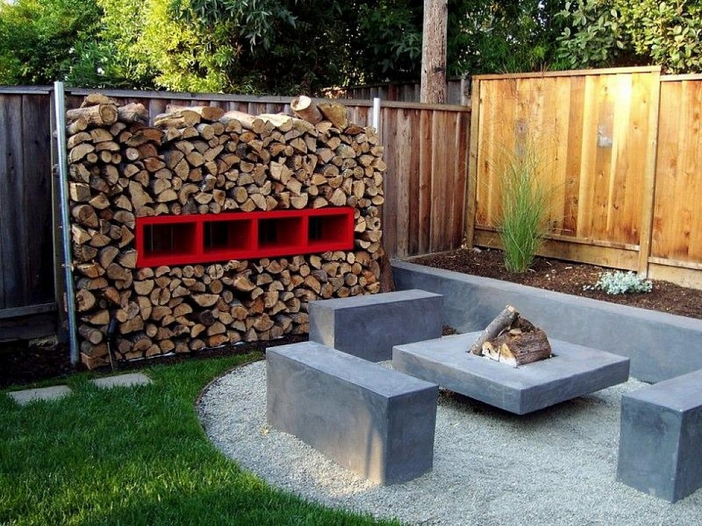 Backyard landscaping fire pit