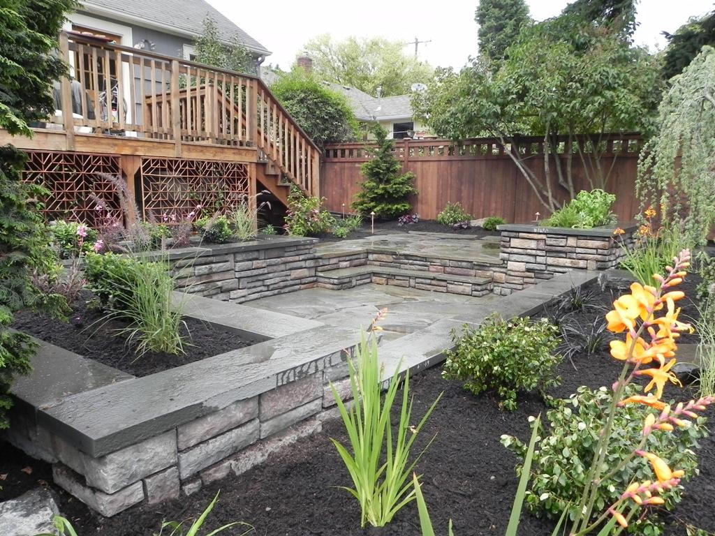 Backyard landscaping plans