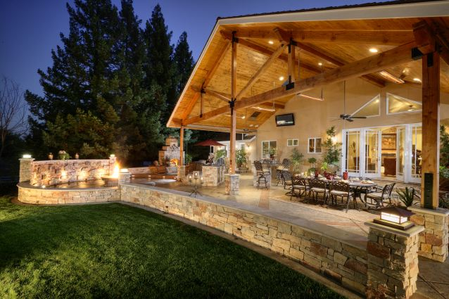 Backyard Living Spaces Photo   4