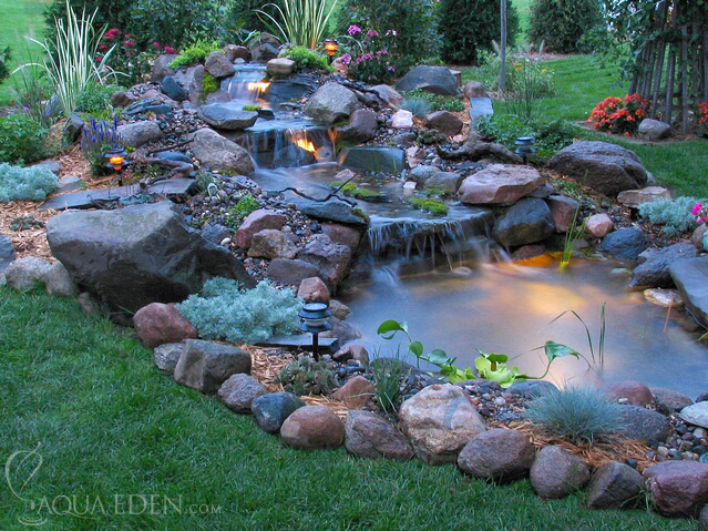 Backyard pond fountains Photo - 1