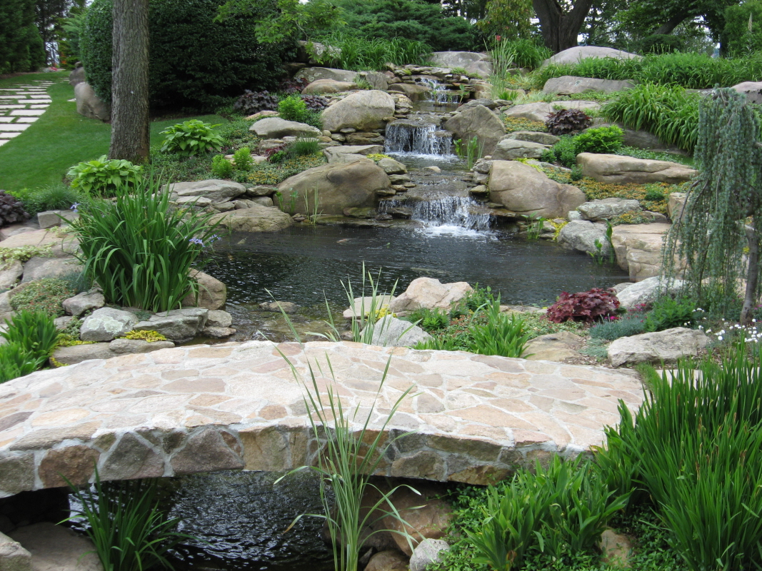 Waterfall fountains for backyard large and beautiful for Pictures of backyard waterfalls