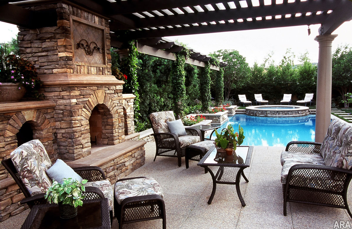 Backyard pool and patio Photo - 1