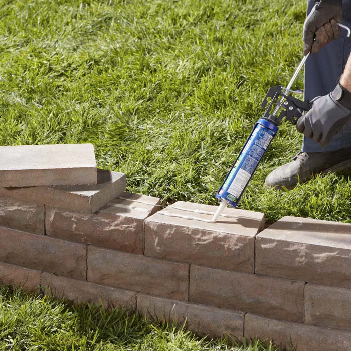 Backyard retaining wall ideas photo 5 design your home for Homes built on your land with no money down