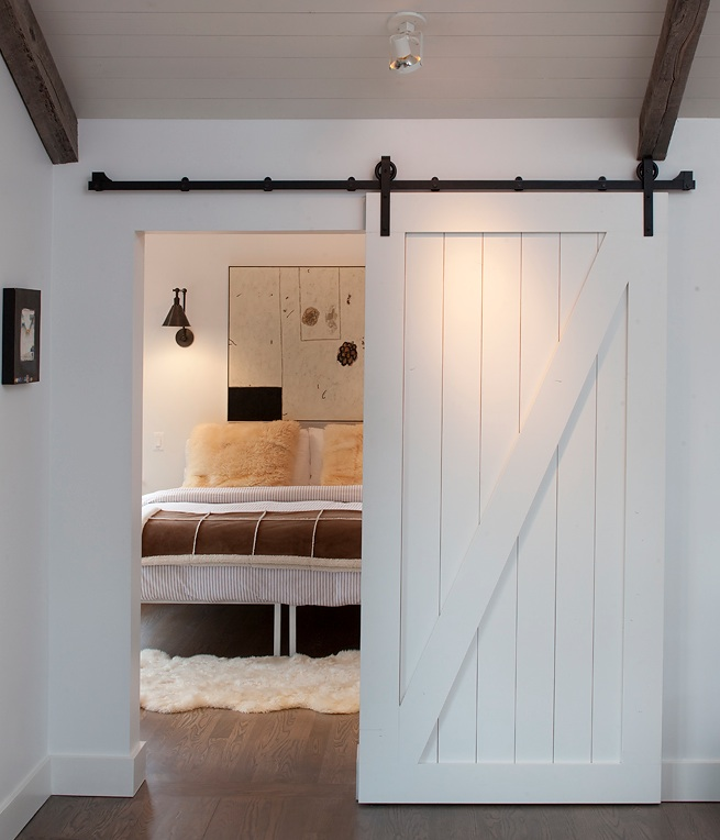 Bedroom barn door Photo - 1
