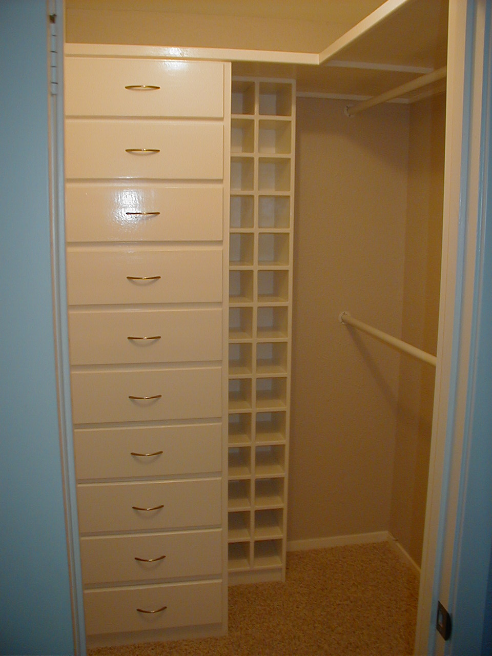 Bedroom closet organizer Photo - 1