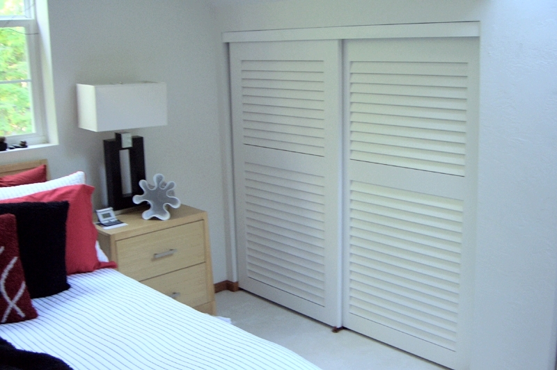 Bedroom closet sliding doors Photo - 1