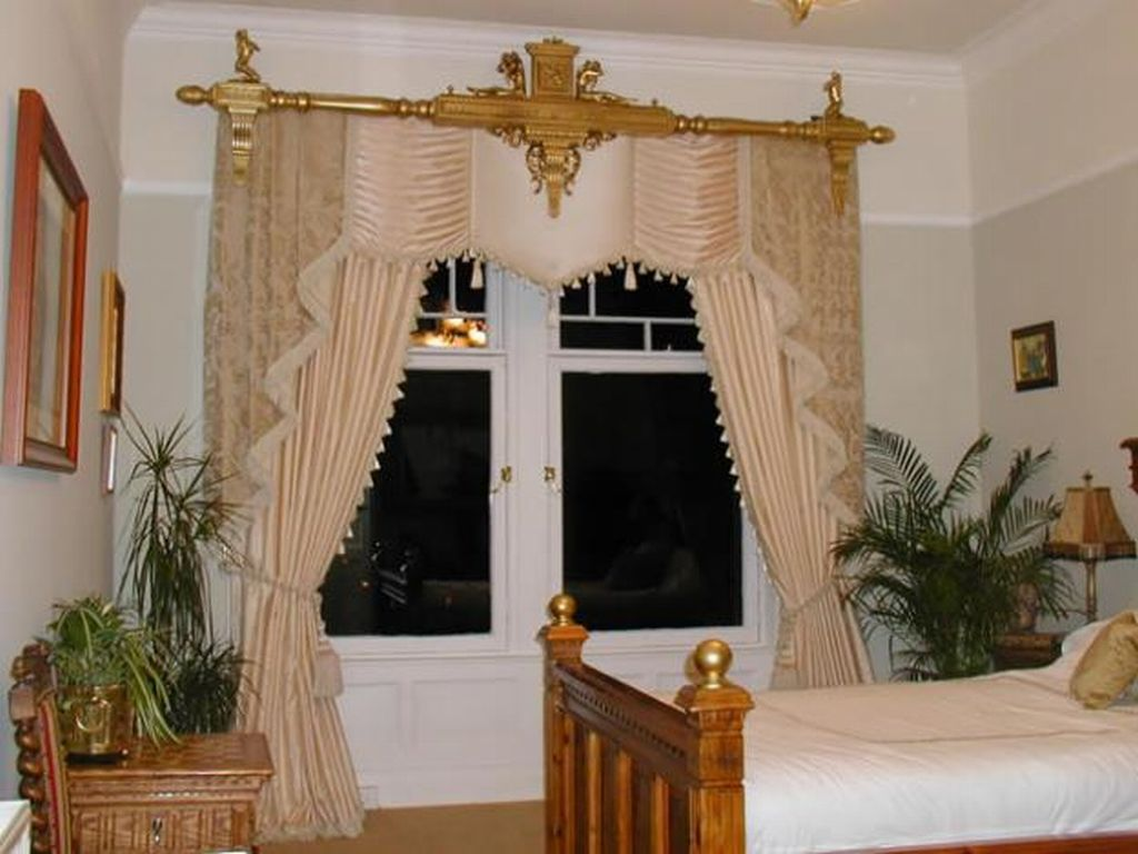 Bedroom curtain ideas large and beautiful photos photo for Bedroom curtain designs photos