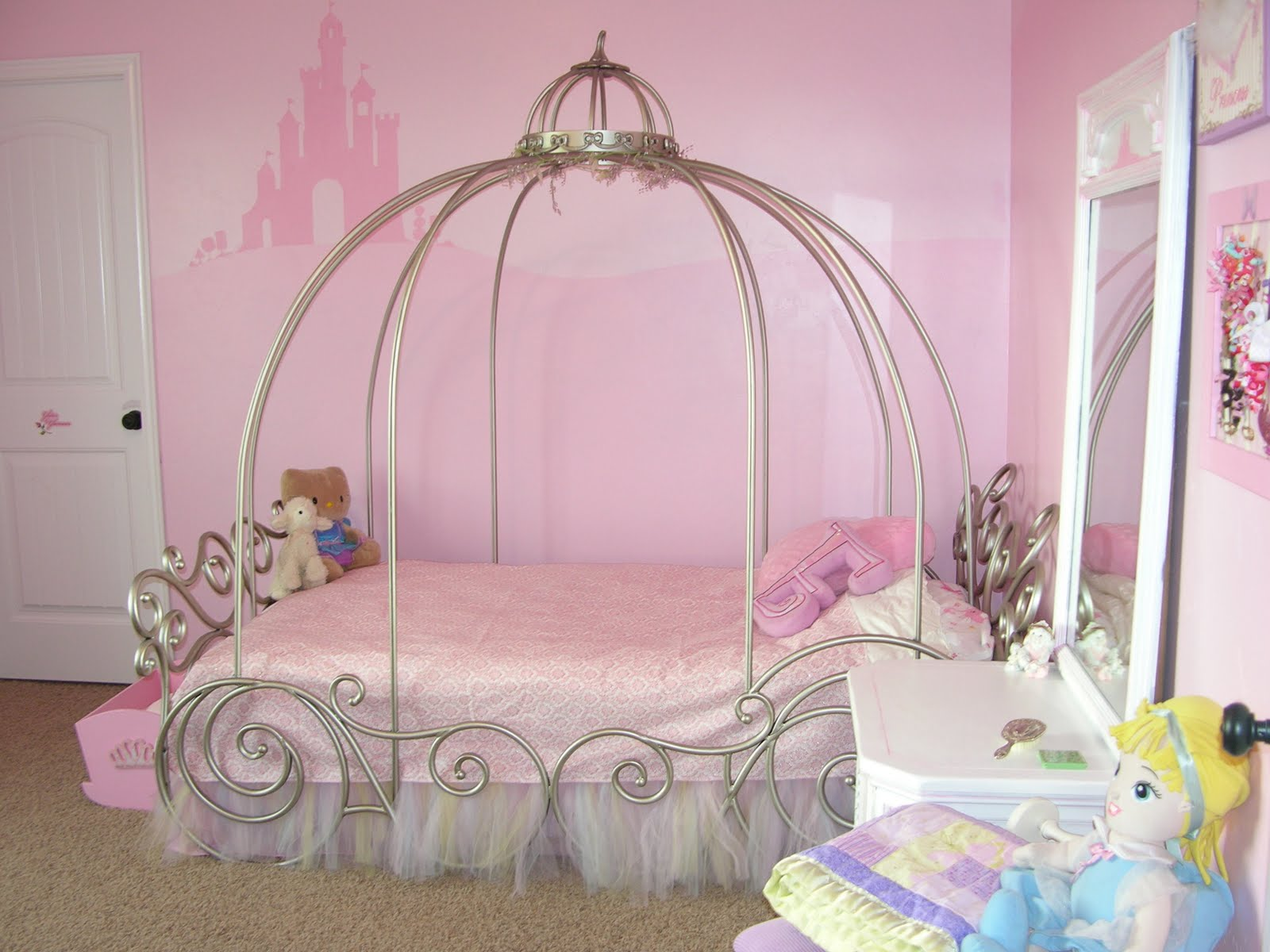 Bedroom decorations for girls Photo - 1