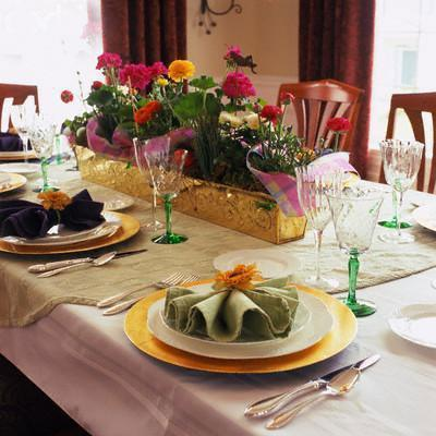 Dining table decor ideas Photo - 1