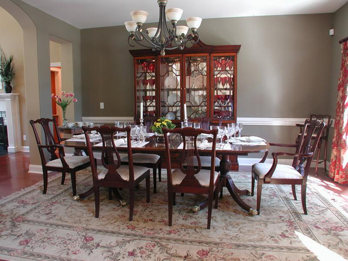 Formal dining rooms elegant decorating ideas large and for Formal dining table centerpiece ideas
