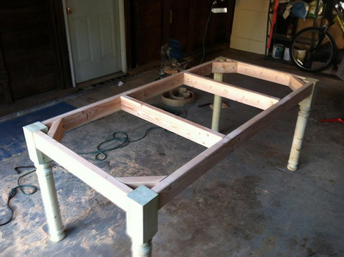 Diy Farmhouse Table | Free Plans | Rogue Engineer Matching Bench ...