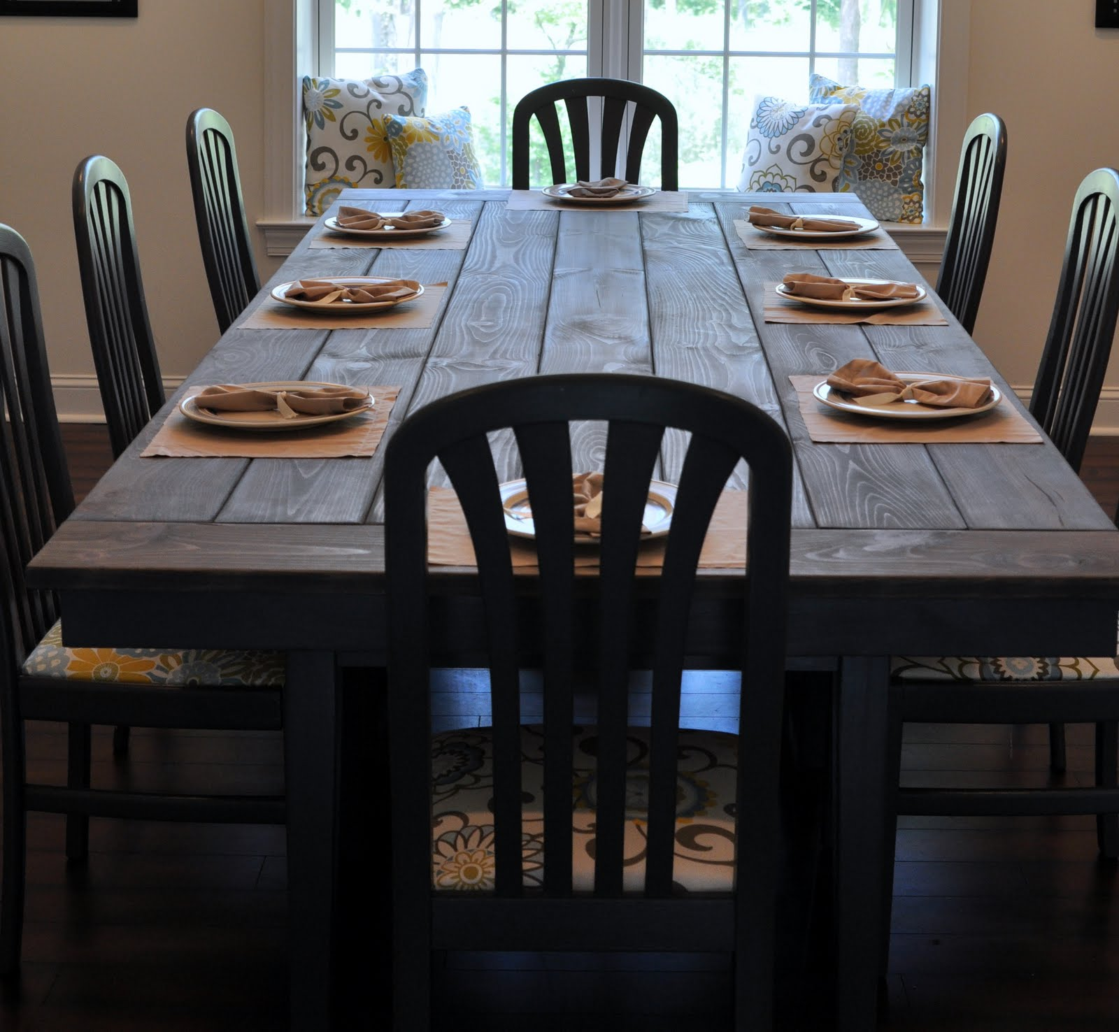 How to make a farmhouse dining table large and beautiful for Building a farmhouse