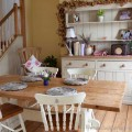 Farmhouse dining rooms Photo - 1