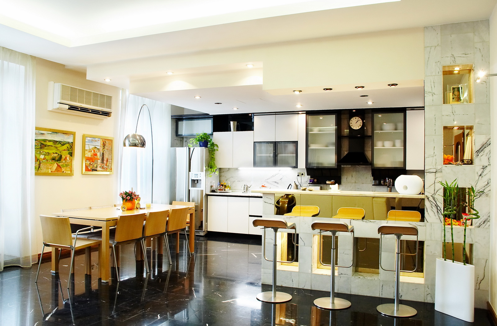 Kitchen and dining room designs large and beautiful for Dining room styles 2016