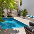 Small backyard pool landscaping ideas Photo - 1