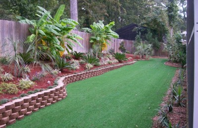 Tropical backyard landscaping Photo - 1