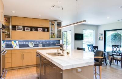 Small kitchen layout planner Photo - 1