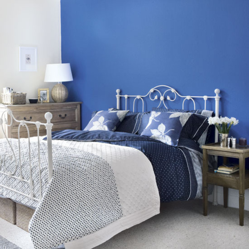 Navy walls bedroom