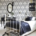 Damask wallpaper bedroom Photo - 1