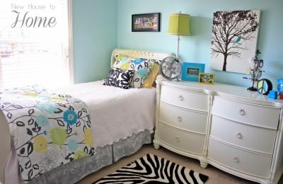 Tween girls bedroom Photo - 1