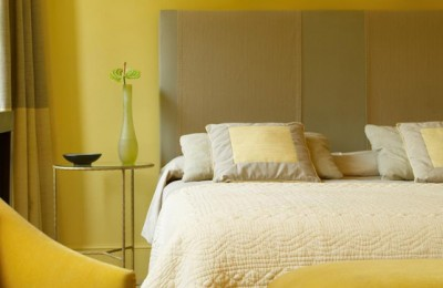 Yellow color schemes for bedrooms Photo - 1