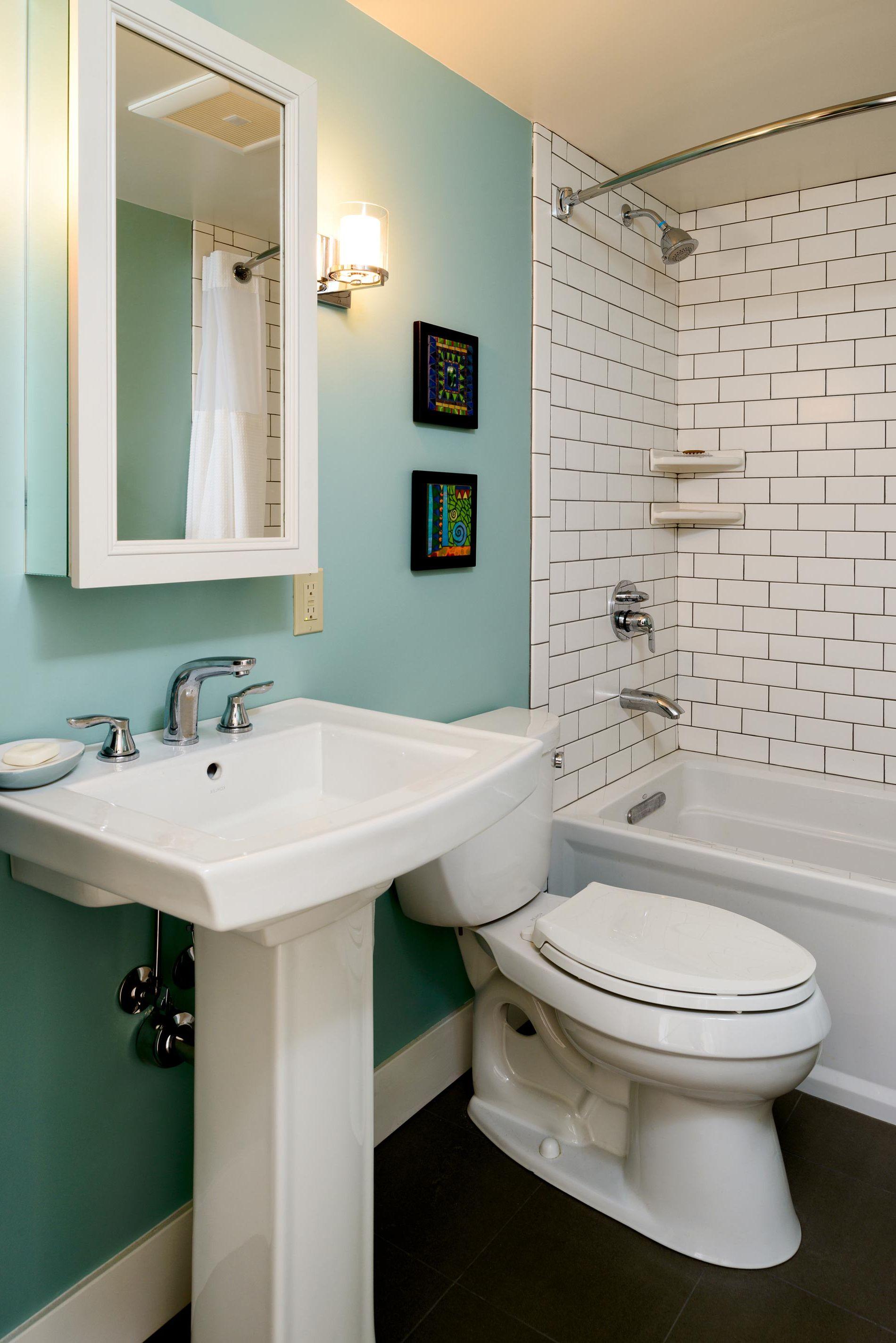 tile wainscoting in bathroom photo - 1
