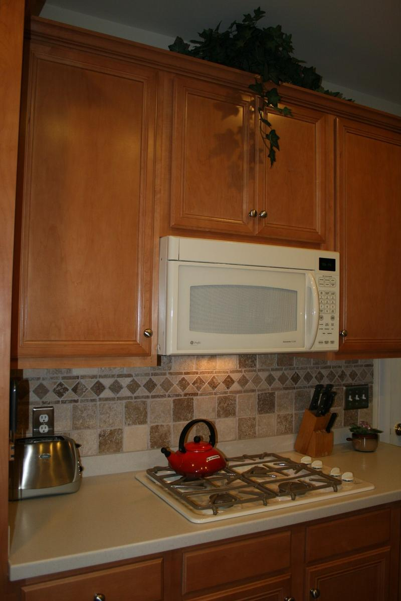 backsplash tile ideas for small kitchens photo - 1