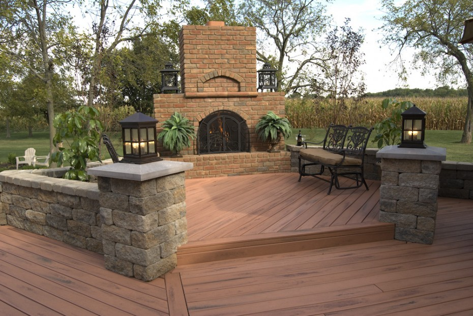 Brick Deck Ideas] Small Brick Patio Off Deck Area Brick Paver ...