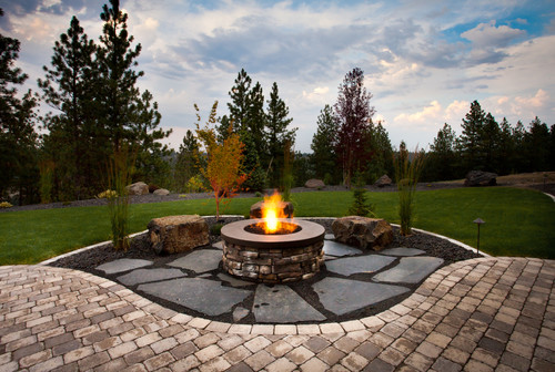 backyard designs with fire pits large and beautiful. Black Bedroom Furniture Sets. Home Design Ideas