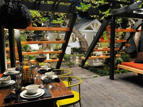 backyard dining area photo - 2