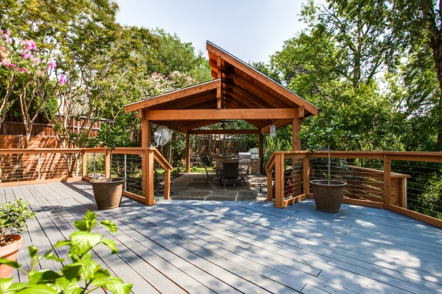 Elegant Backyard Living Spaces