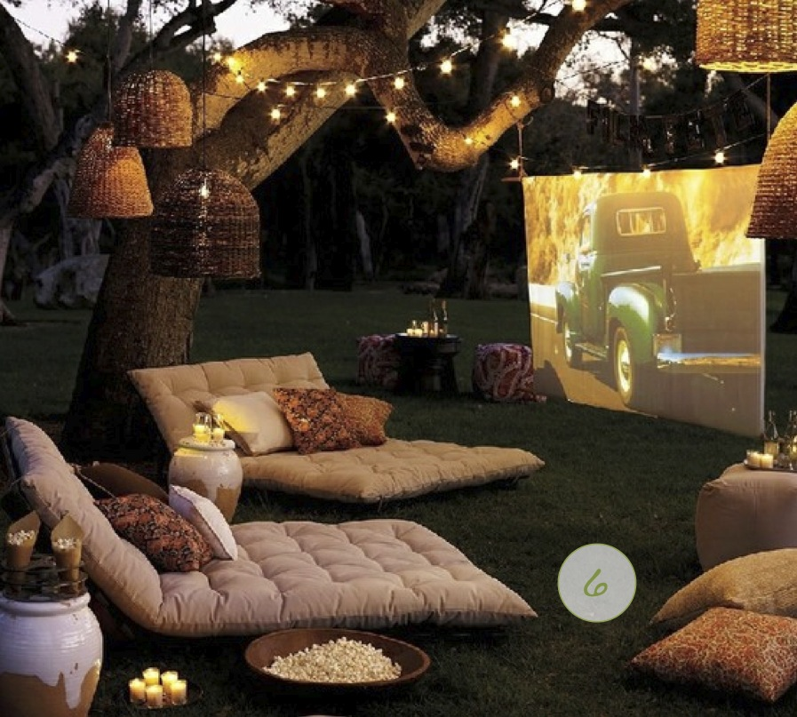 backyard movie party ideas photo - 1