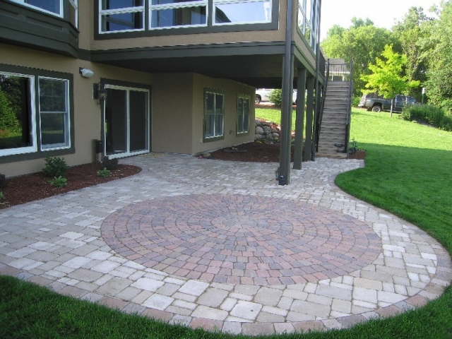 backyard paver ideas photo - 1