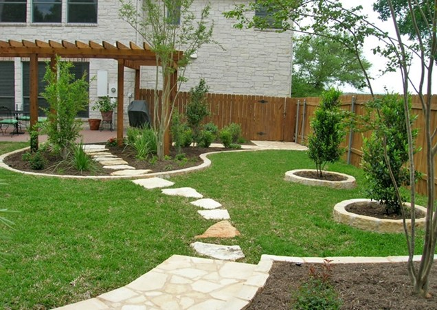 backyard privacy landscaping photo - 1