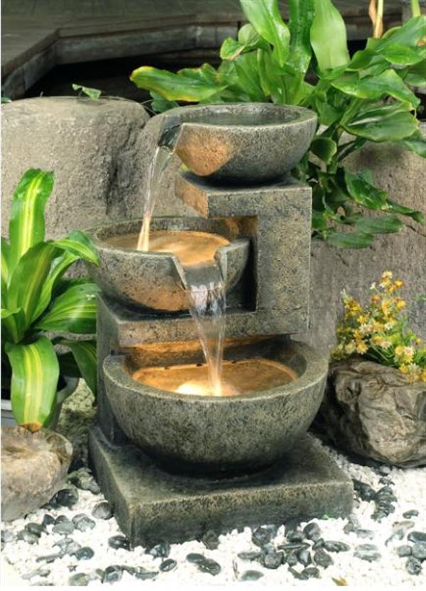 backyard water fountain photo - 2